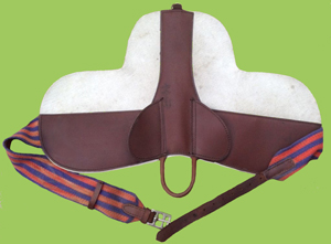 Leather and Felt pad saddle for a small pony